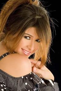 السيرة الذاتية للفنانة ياسمين العزيز