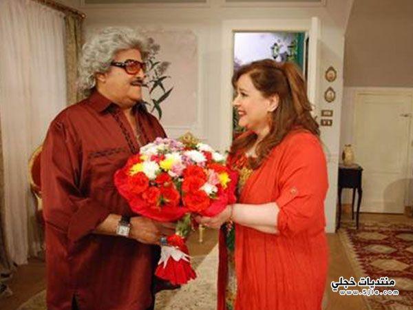 سمير غانم يقدم هدية الحب