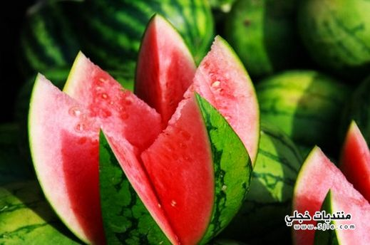 فوائد الفواكه اللون الاحمر