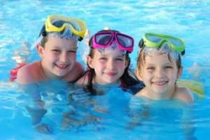 تعليم الاطفال السباحه طريقة تعليم