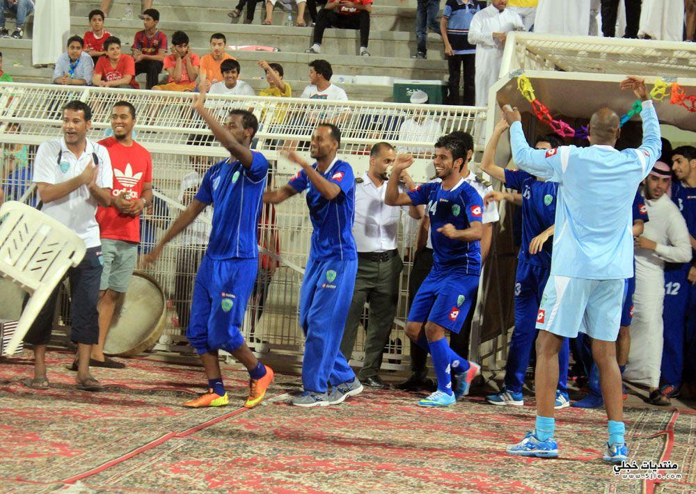 الفتح يحتفل بلقب دوري احتفال