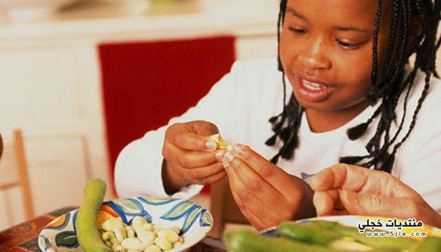 تشجعين طفلك تناول الخضروات 2013-