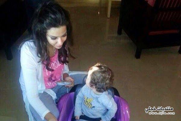 نادين نجيم طفلتها نادين نجيم