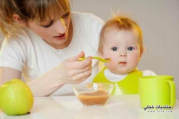 اطعمة تساعد الاطفال النوم