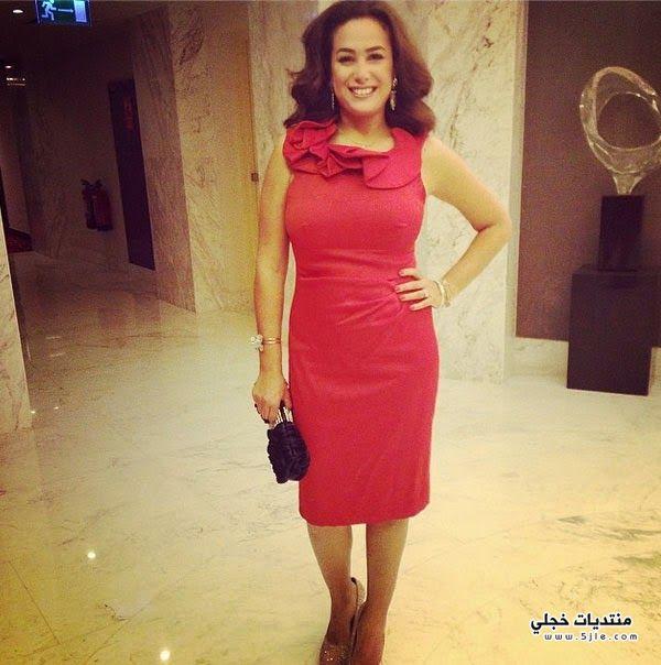 صورة صبري بفستان احمر