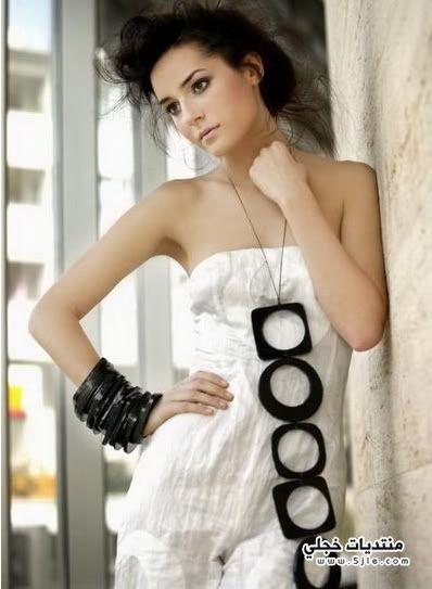 ازياء الممثلة التركيه سيديف ايفيتشي