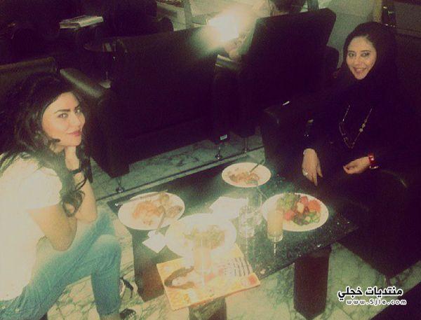 الفنانة مريم حسين ووالدتها مريم