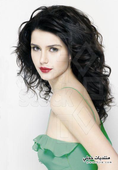 احدث بوسترات الممثلة التركية بيرين