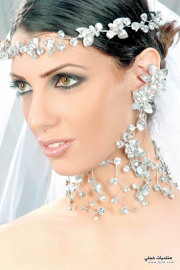 اجدد اكسسورات للعروس 2013 فساتين