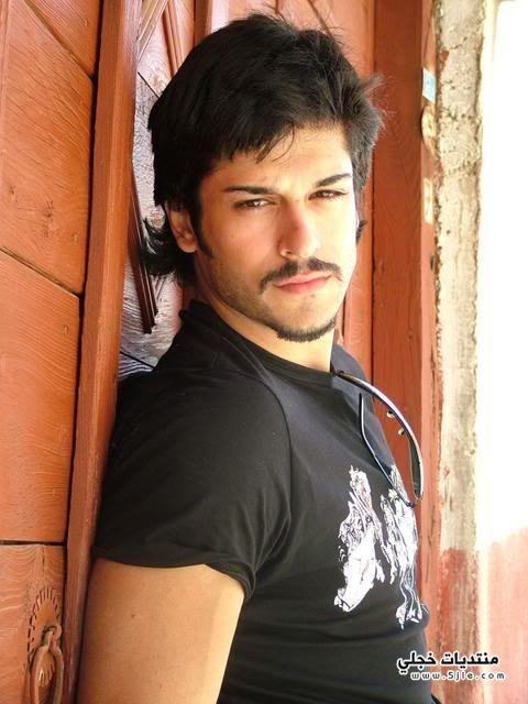 الممثل التركي بوراك اوزجيفيت 2014