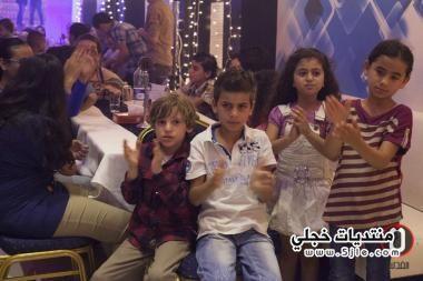 محمد عساف يخرج سكان القطاع