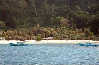 لقطات مصورة جزيرة ترنجانو 2014