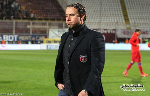 لورينتيو ريغيكامف مدرب للهلال مدرب