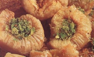 الحلويات الشرقية والغربية