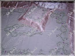 مفارش مطرزة لغرف النوم 2013