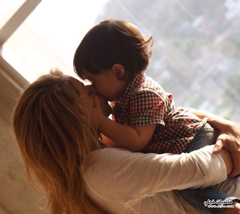 شاكيرا بيكي وطفلها