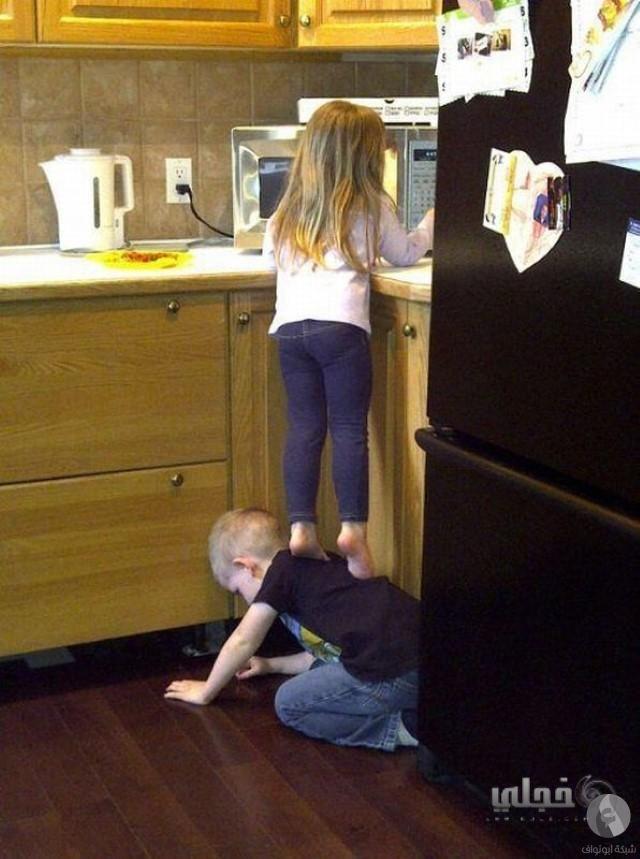 اطفال مضحكة
