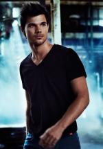 Taylor Lautner 2014