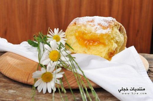 طريقة الخبز بحشوة الفاكهة