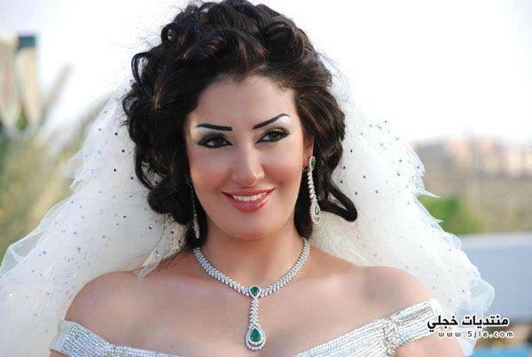 غادة الرازق تعلن زواجها مدير