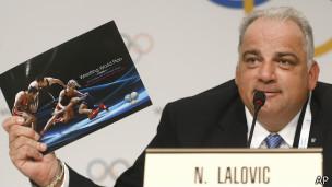 اللجنة الأوليمبية تؤكد استمرار منافسات