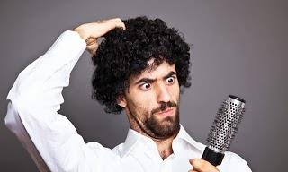 طريقه تصفيف الشعر المجعد للرجال