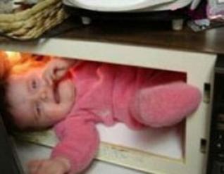 اميركية طفلها كهربائي