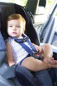 طفلك اثناء ركوب السياره امان